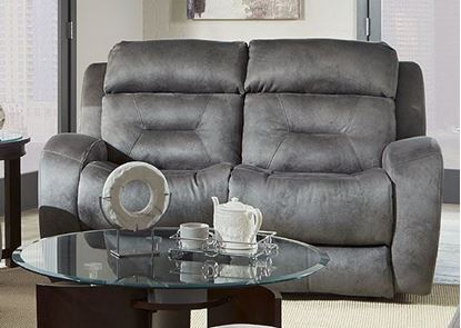 316 Showcase Loveseat